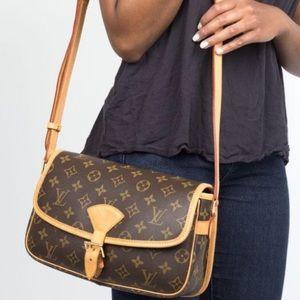 🌺GORGEOUS🌺 Louis Vuitton Crossbody